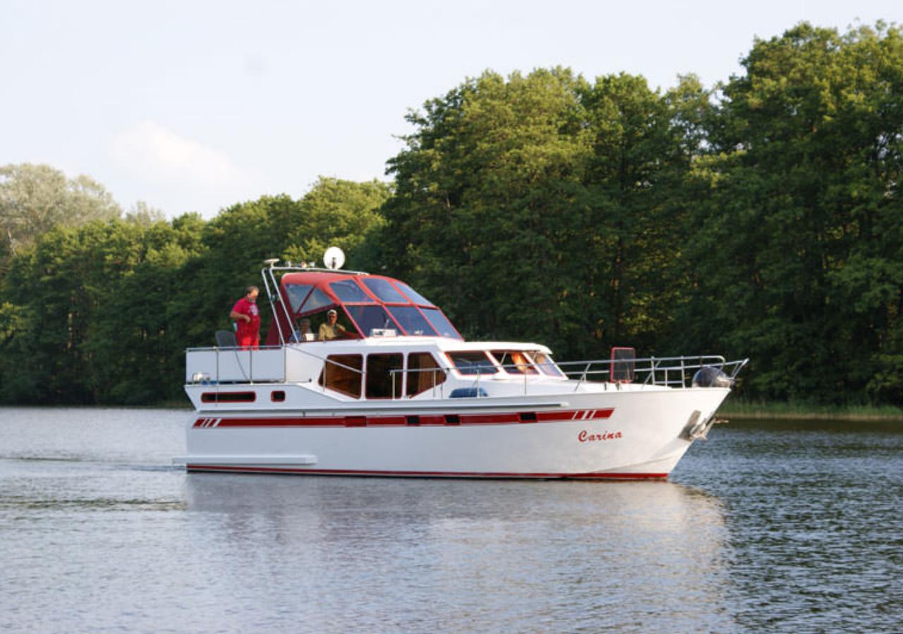 Motoryacht ausleihen bei Bootscharter Malow